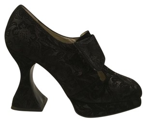 John Fluevog Goth Unique Vintage Looking black Pumps