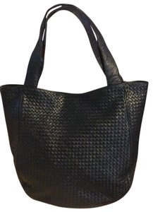 Bottega Veneta Vintage Woven Leather Leather Tote in Navy Blue