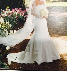 Amsale Ivory Gown Feminine Wedding Dress Size 2 (XS)