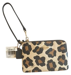 Coach Wristlet in Leopard