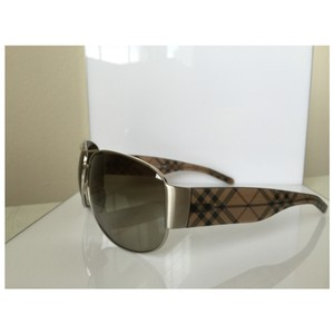 Burberry Burberry Sunglasses B3020M