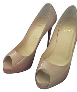 Christian Louboutin Pump Patent Patent Leather Nude Pumps
