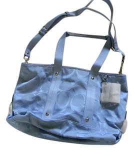 Coach New With Tag Tote in periwinkle