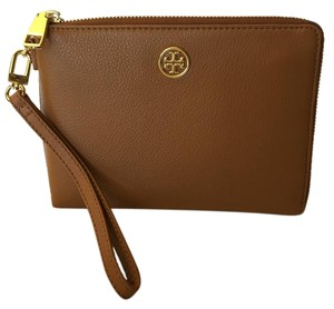 Tory Burch Wallet Clutch Wristlet in Bark/Brown