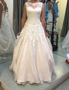 Justin Alexander Justin Alexander 8835 Wedding Dress