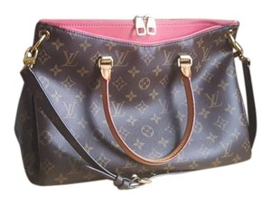 Louis Vuitton Pallas 2015 Mm Shoulder Bag