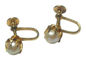 Other Small Pearl Clip On Earrings E1008
