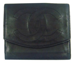 Chanel Black Calf Leather Bifold Wallet w/ Snap Closure France