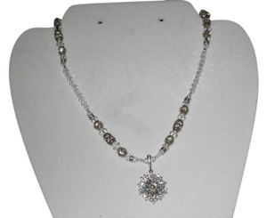 Giavan Giavan hol238n-(N1) - crystal necklace with drop pendent