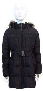 A Pea In The Pod Quilted Puffer Jacket w Fur Lined Hood