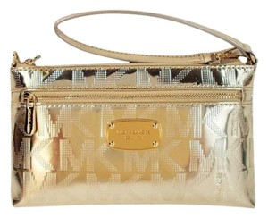 Michael Kors Jet Set Phone Wallet Wristlet in Pale Gold