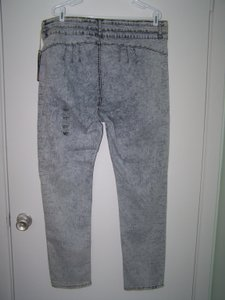 Vip 23/24 Straight Leg Jeans-Light Wash