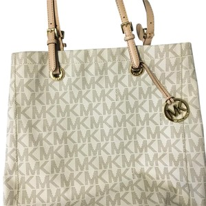 MICHAEL Michael Kors Tote in Off-white