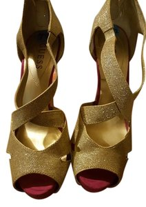 Guess Pink And Gold Sparkles Pumps