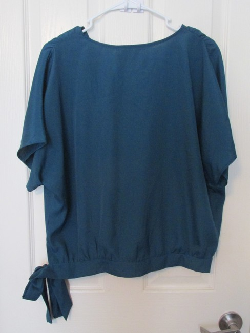 Francesca's Nwt Tie Knot Oversized Top blue green