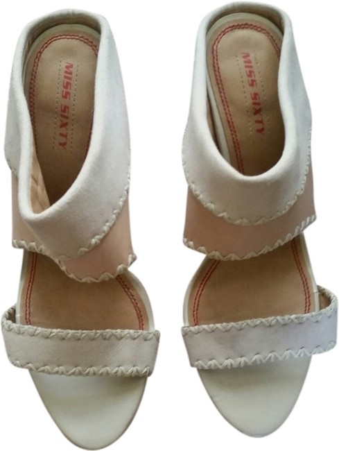 Item - Off White Wedges Size US 8