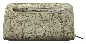Urban Outfitters NEW WITH TAGS Urban Outfitters Clutch