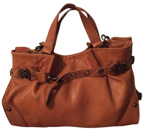 BCBGMAXAZRIA Tote in Saddle Tan