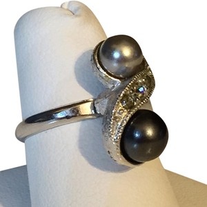 Sarah Coventry Sarah Coventry Double Pearl Black And White Statement Ring