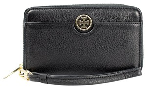 Tory Burch 888736708564 32159150 Wristlet in Black