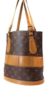 Louis Vuitton Vintage Lv Lv Bucket Leather Signature Shoulder Bag