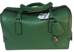 BCBGMAXAZRIA Satchel in Kelly Green