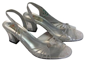Other Size 10.00 M Very Good Condition Clear, Silver Sandals