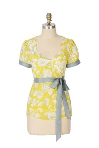 Odille Sheer Short Sleeve Woven Top Yellow