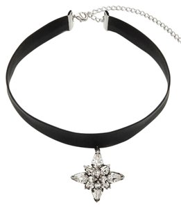 Crystal Stone Pendant Choker Necklace