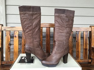 Frye Mimi Scrunch Sz 9.5 Taupe Distressed Boots