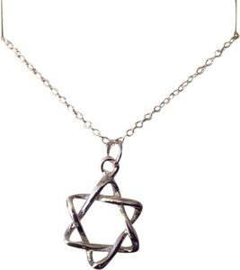 "Sears FREE SHIPPING!! Silver Filled ""Star of David"" on a 18"" Chain. Lovely on the neckline."