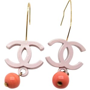 Chanel Chanel #7653 CC Pink & orange on gold hardware hook wire earrings