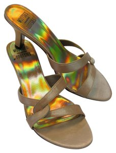 Mootsies Tootsies Size 8.00 M Condition Light Gold, Sandals
