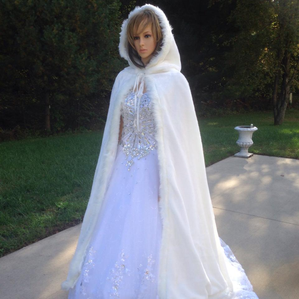 White Faux Fur and Satin Lined Snow Cape/9412 Modest Wedding Dress ...