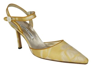 Manolo Blahnik Brocade Pumps Ankle Strap YELLOW AND CREAM Sandals