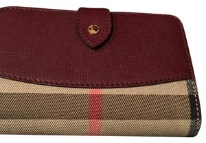 Burberry House Check Amd Leather Wallet 40188891