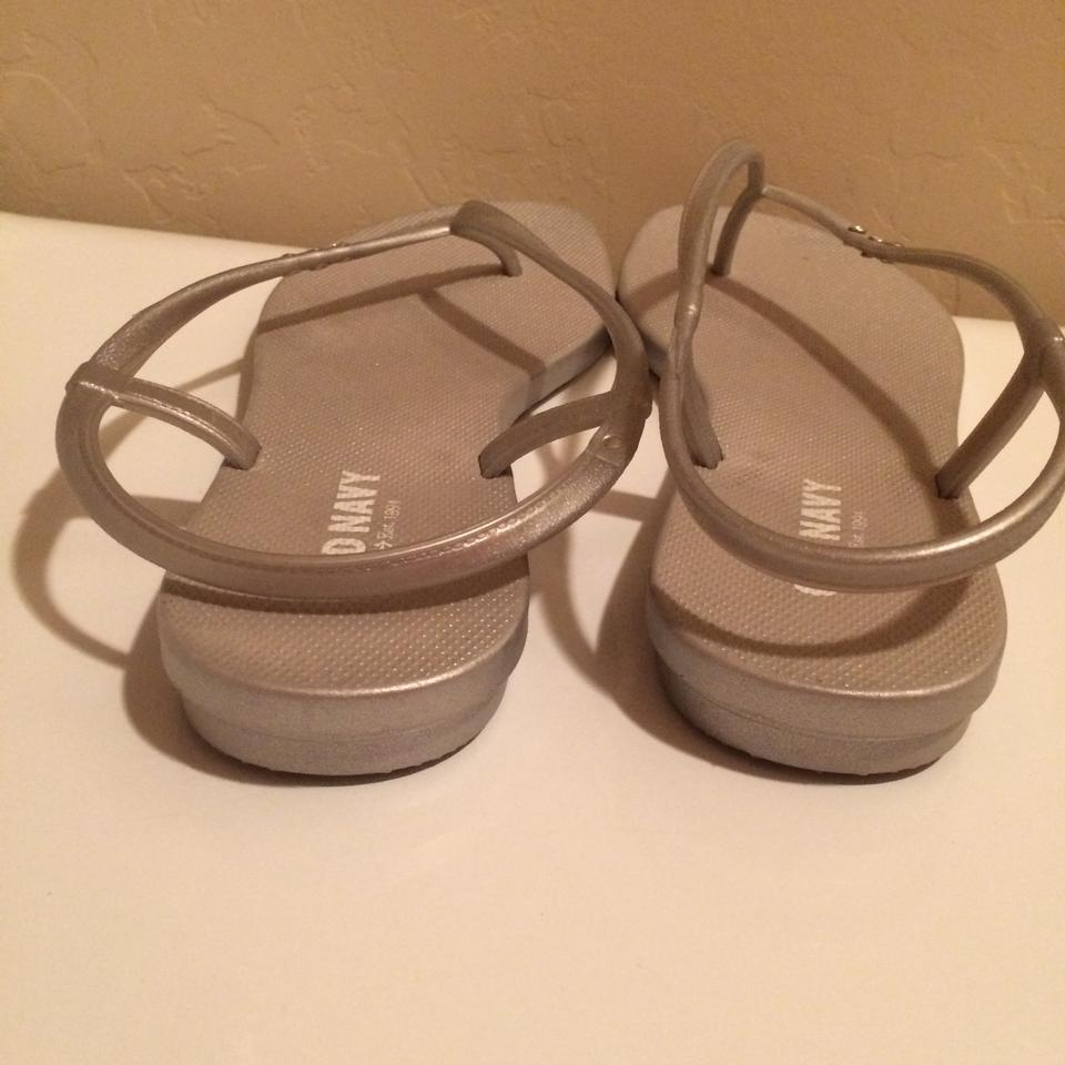 42653acde947f9 Old Navy Gray Silver Sandals Size US 7 Regular (M