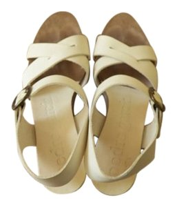 Pedro Garcia Vintage Leather Fashion Single Color White Sandals
