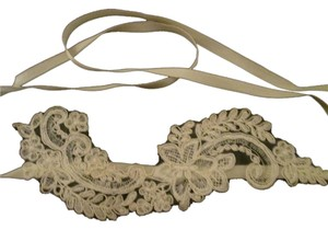 Lisa Nieves Off white Bridal applique Hair band