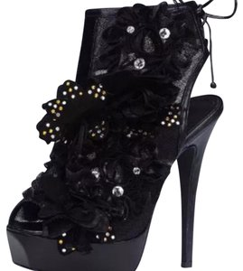 Colin Stuart Black Platforms