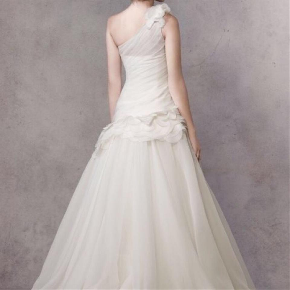 Vera wang wedding dress on sale 54 off wedding dresses for Vera wang wedding dresses sale
