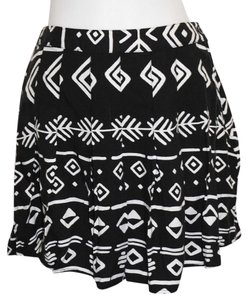 Forever 21 Skirt School Girl Pleated Tribal Mini/Short Shorts Black and White
