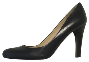 Lauren Ralph Lauren Navy Blue Pumps