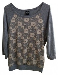 Bobeau Lace Overlay 3/4 Length Sleeve Comfortable Sweatshirt