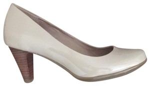 Giani Bernini beige with wood heel Pumps