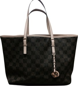 5a288c6b02cc Michael Kors Tote in Checkerboard. Michael Kors Multifunction Checkerboard Pvc  Tote