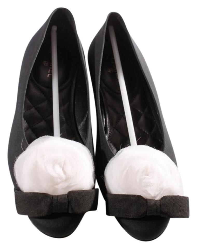60404fd15 Chanel Black and White Satin Camellia Ballet Flats. Size: US 6.5 Regular (M  ...