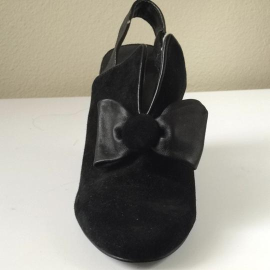 6x6 Black With Bowtie Wedges