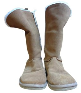 American Eagle Outfitters Fuzzy Faux Fur Brown Boots