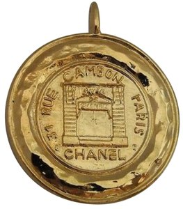 Chanel Chanel 31 Rue Cambon Paris Gold Round Big Medallion Necklace Pendant